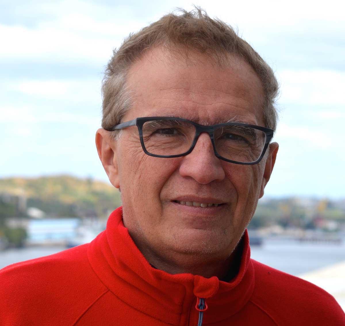 Giovanni De Micheli, EPFL, CH